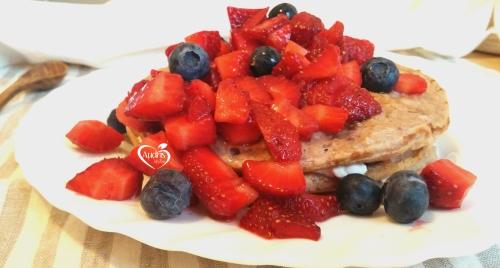 Tortitas de frutos rojos/ Berries pancakes